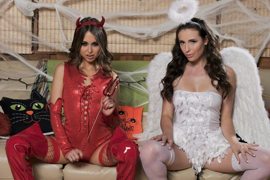 ReidMyLips.com - Riley Reid, Casey Calvert - Trick or Treat [HD 720p / Anal / Interracial / 2016]
