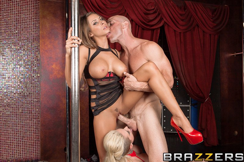 Madison Ivy Lesbian Kissing
