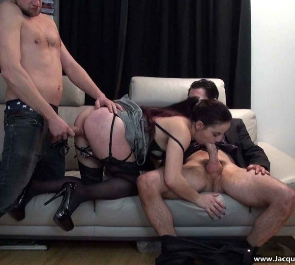 JacquieEtMichelTV.net - Barbara - Trois mecs pour Barbara ! [FullHD 1080p / GangBang / French / 2016]