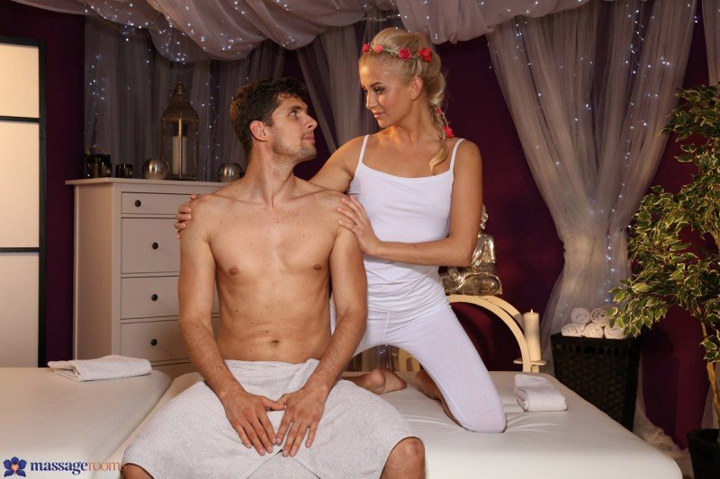 SexyHub.com - Cayla Lyons - Giving And Receiving [SD / Massage / Blonde / 2016]