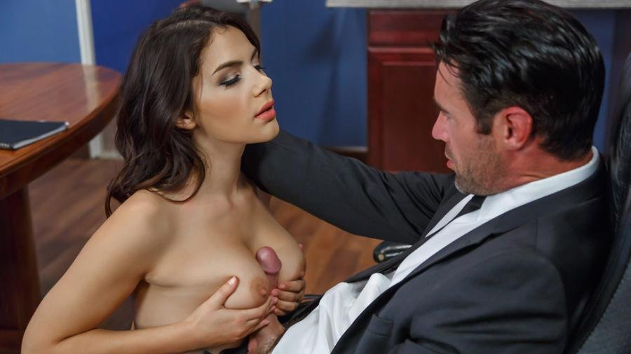 Brazzers.com - Valentina Nappi - Pushing Boundaries [SD / Big Tits / Brunette / 2017]