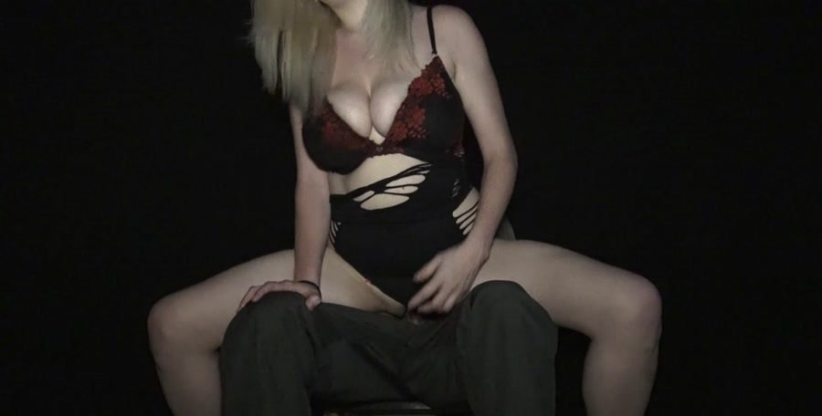 Clips4sale.com - Courtney Scott - Lap Dance From Sister Goes Too Far [FullHD 1080p / Incest / Blonde / 2015]