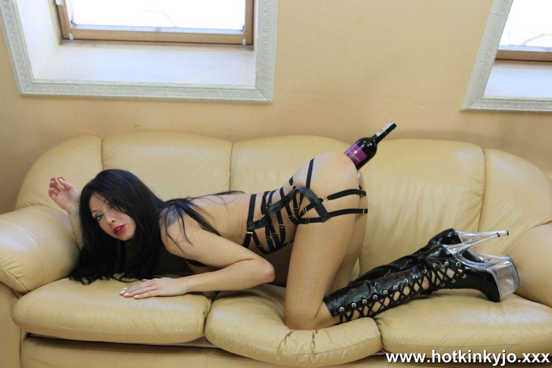 Hotkinkyjo.com - Hot Kinky Jo - In the boots. Fucking ass with wine bottle [FullHD 1080p / Fisting / Prolapse / 2017]