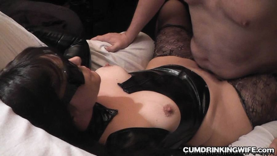 Cumdrinkingwife.com - Marion - June Session [HD / Bukkake / Germany / 2013]