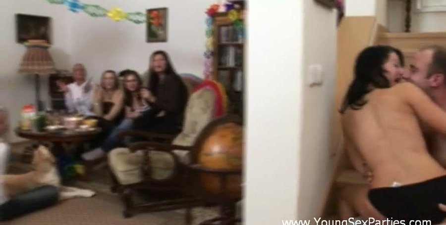 YoungSexParties.com - Russian Girls - Two Men Crash The Ladies' Home Party [SD / Group / Amateur / 2017]