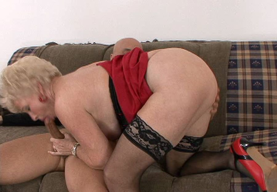 Granny Sex - Mrs. Jewel - MFrHtMJewell [SD / Mature / Hardcore / 2017]