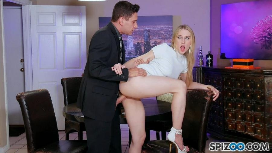 Spizoo.com - Riley Reyes - Riley Reyes Sugar Daddy / 30.08.2017 [FullHD 1080p / Big Ass / Blonde / 2017]