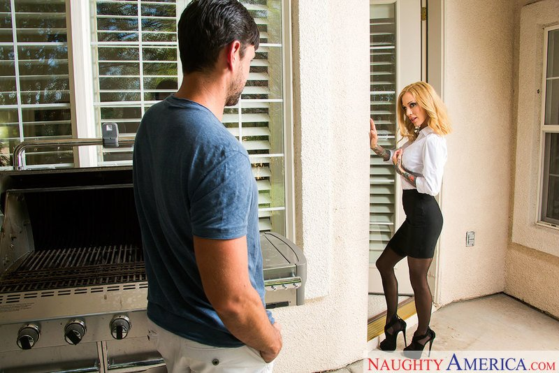 NeighborAffair.com - Sarah Jessie - 23227 [SD / Blonde / Stockings / 2017]