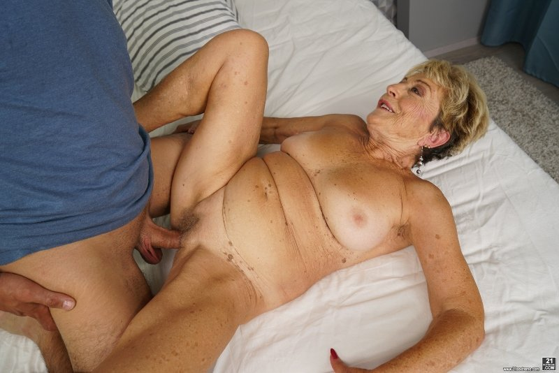 21Sextury.com - Malya - Lust for Elders [SD / Granny / Big Tits / 2017]
