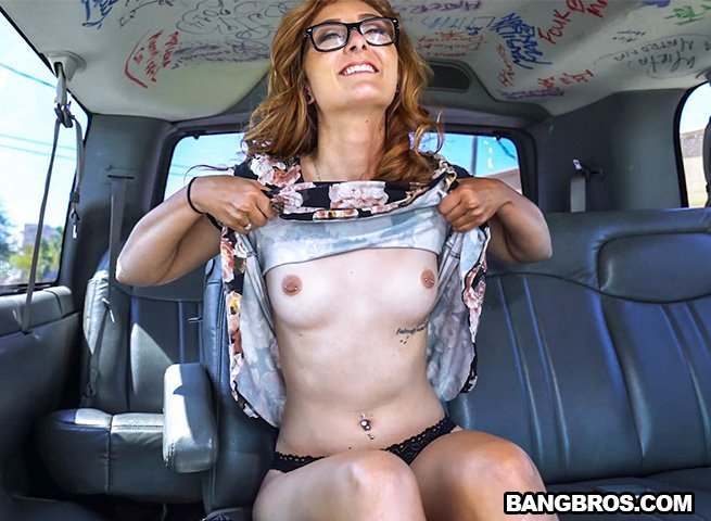 BangBros.com - Kadence Marie - Helping Out An Out Of Towner [SD / Redhead / Young / 2017]