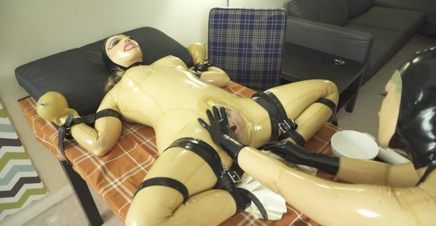 Fetishkitsch.com - Samantha Grace, Miss Kitsch - ThanksFisting Part 2 [FullHD 1080p / Fetish, Rubber / 2017]