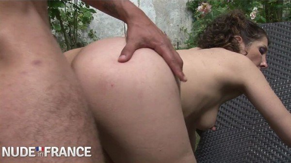 NudeInFrance.com - Amateurs - Taxi driver gets sucked and fucked by passenger [SD / Amateur / 2018]