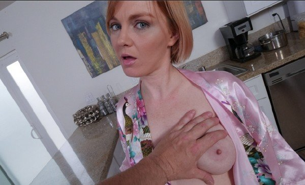 PervMom.com - Marie McCray - Stepmoms Booty For Breakfast [SD / POV / 2018]