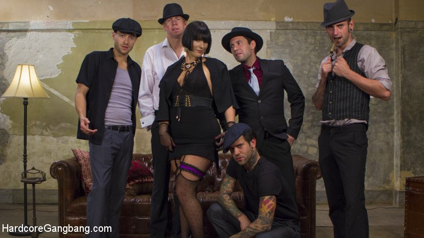 HardcoreGangBang.com - Rose Rhapsody - Agent Airtight: Slutty Fed Takes Five Hard Cocks In All Her Holes / 40844 [SD / Gangbang /  2018]