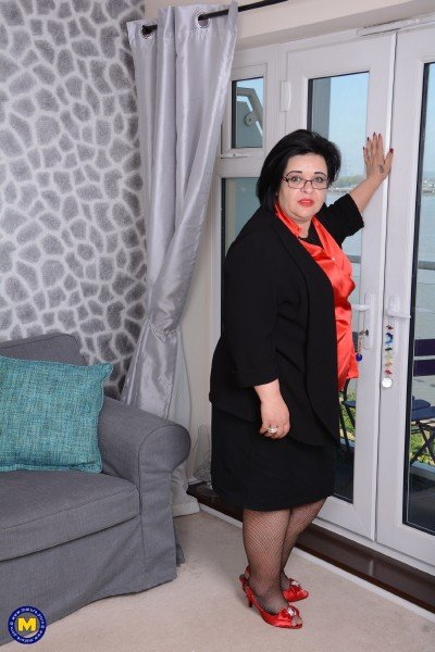 Mature.nl - Anna EU 45 - Curvy Bbw Anna playing with herself [SD / Toys /  2018]