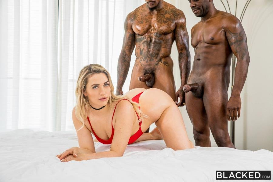 Blacked.com - Mia Malkova - BBC For A Favour [SD / Blonde /  2018]