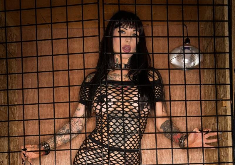 Spizoo.com - Jessie Lee - Gets Caged [SD / Blowjob /  2019]