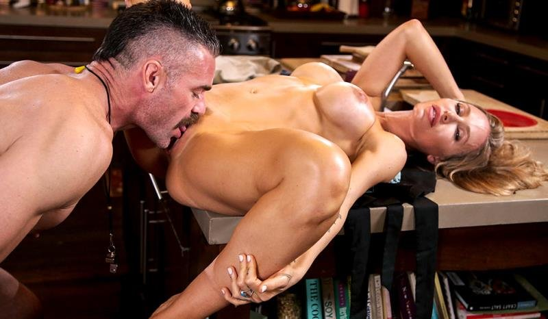 MomIsHorny.com - Nicole Aniston - Nicole Aniston Fucks Her Son's Coach [SD / Blonde /  2019]