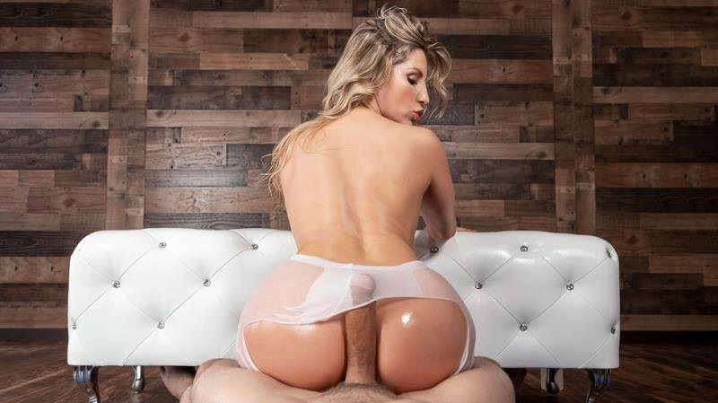 BigWetButts.com / Brazzers.com-Год производства: 2019 г. - Ashley Fires - Bending Over Backwards [SD / Blonde /  2019]