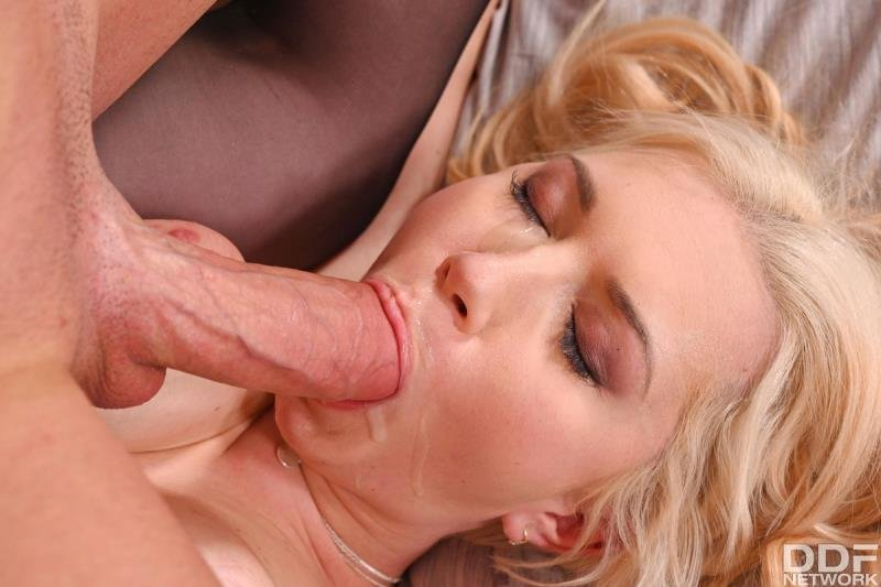 HandsOnHardcore.com - Roxy Risingstar - Hot Hooker Hotel Sex [SD / Blonde /  2020]