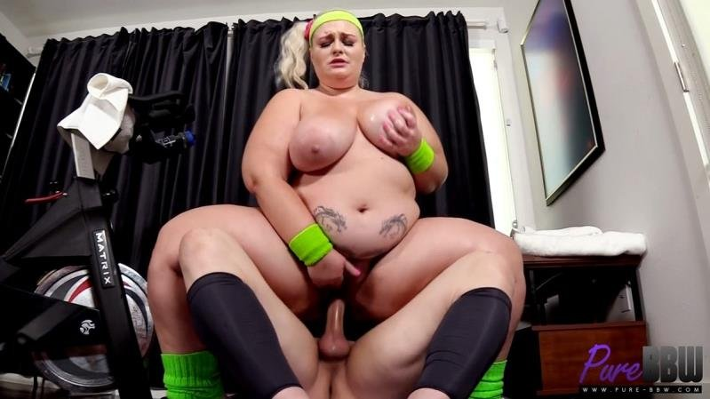 Pure-BBW.com - Tiffany Star - Workout babe shows off her assets at the gym [SD / Blonde /  2020]
