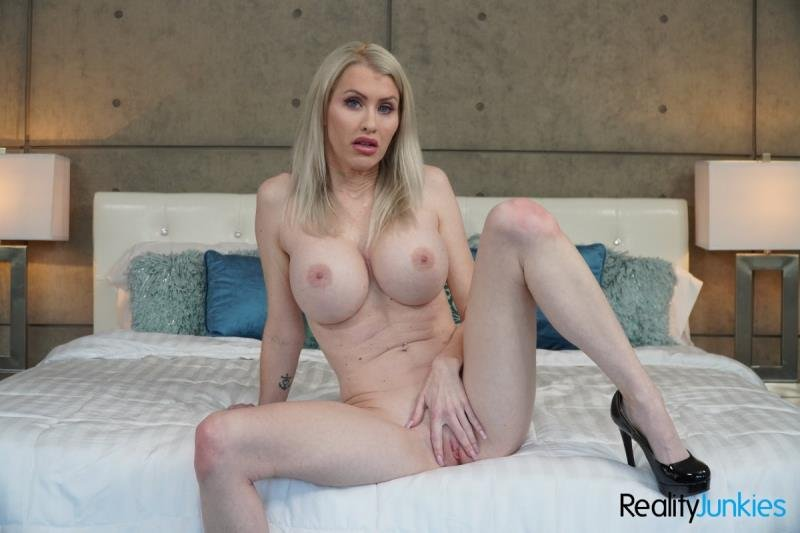 RealityJunkies.com - Katie Monroe - Toy Time! [SD / Blonde /  2020]