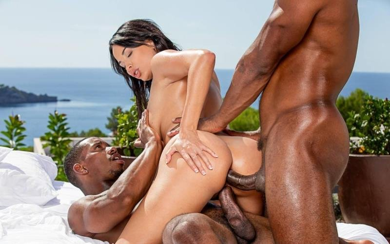 Blacked.com - Anissa Kate - Irresistible [SD / Blowjob /  2021]
